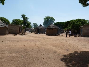 村の入口.jpg