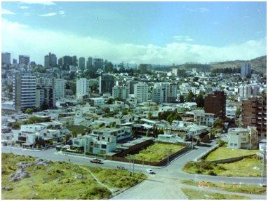 キトー市(1985年).jpg