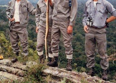 セロ・ドス・デ・オロの頂上付近でガラガラ蛇を捕まえた.jpg