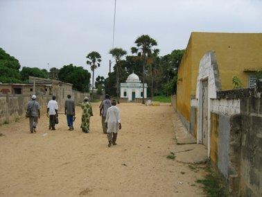 村にあるイスラム寺院.jpg