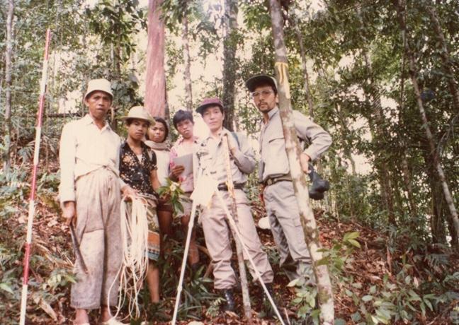 007インドネシア森林調査.jpg
