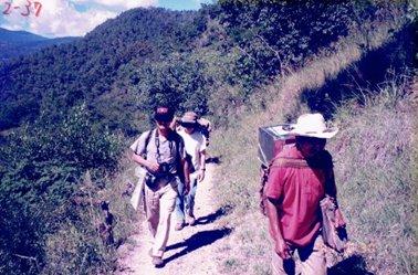 20kmの山道を歩いてテポナ.jpg